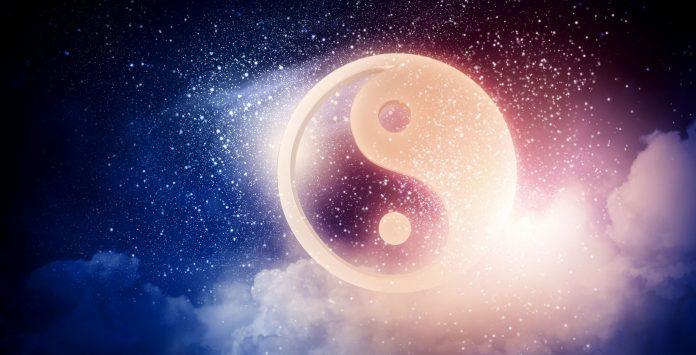 6 Điểm Khác Biệt Giữ Triết Học Phương Đông Và Phương Tây